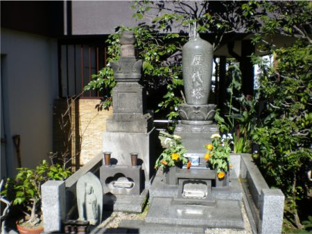 月州寺【歴代住職の墓】