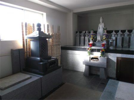 霊梅院 室内墓地