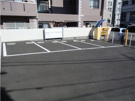 【聖和苑】駐車場