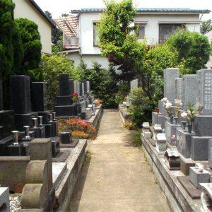 究竟寺 墓地