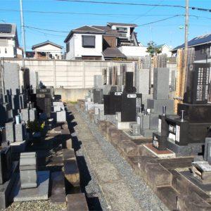 常光寺 日当たりの良い墓地