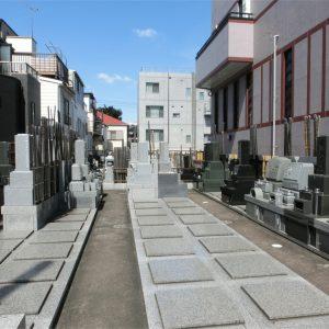 長安寺の墓地