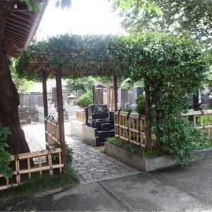 感通寺の墓地入口