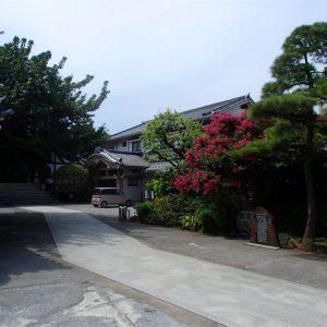 感通寺の境内
