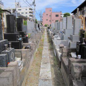 宣要寺の墓地