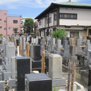 宣要寺の墓地全景