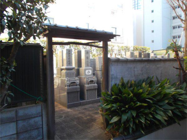 長嚴寺 墓地入口