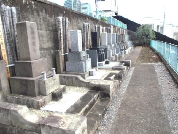 是照院 墓地